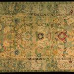 Tappeto con disegno di tralci a nastro - Persia, Isfahan, fine XVI – inizio XVII secolo