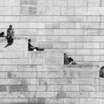Robert Doisneau, La diagonale dei gradini, Parigi 1953, © Atelier Robert Doisneau