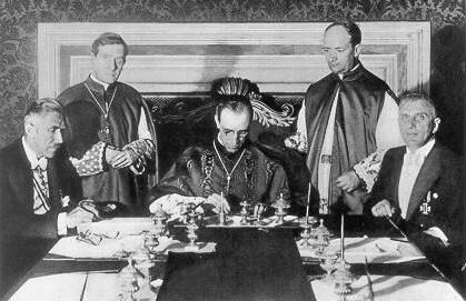 19. Eugenio Pacelli futuro Pio XII firma il Concordato tra Germania e Vaticano