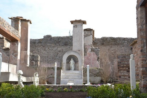 27.pompeii_marco_lucrezio_frontone_15.03.jpg