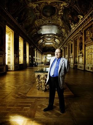 Umberto Eco, Galerie d'Apollon, musée du Louvre © Léa Crespi, 2009