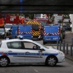 7784232999_les-forces-de-police-et-de-secours-aux-abords-de-l-eglise-de-saint-etienne-du-rouvray-ou-une-prise-d-otages-a-eu-lieu-le-26-jui.jpg
