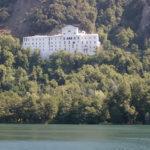 L'Abbazia vista dal lago