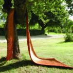 """Armonico LXXXV"""" 2008 Fili di rame 580x130x5 cm Courtesy Antonella Zazzera"""