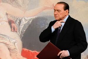 BerlusconiPreoccupazione_R375.jpg