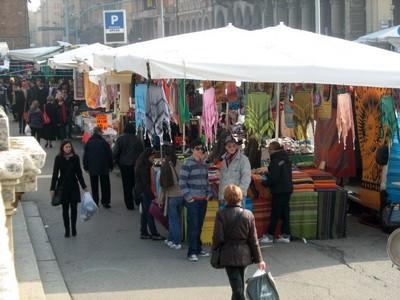 Mercato Multietnico di Bologna