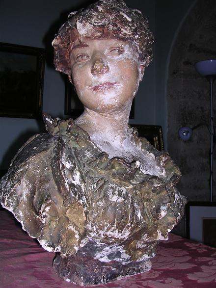 Carolina, originaria di Casalvieri, una scultura di Alex. Falguière.