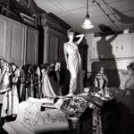 Madame_Fernanda_Gattinoni_nel_suo_Atelier_di_Via_Marche_1958_.jpg