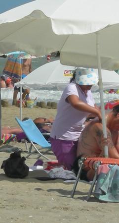 Massage sur la plage ©Léa Maxime