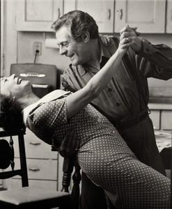 Mastroianni ballando con Shirley MacLaine