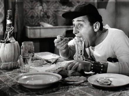 _alberto_sordi_spaghetti.jpg
