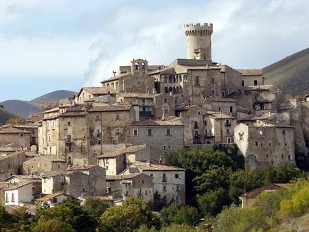 Santo Stefano di Sessanio. Il borgo della rinascita nel Parco del Gran Sasso