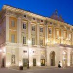 Teatro Verdi di Trieste di sera
