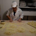Altamura, Trattoria Tre Archi, préparation de la pasta
