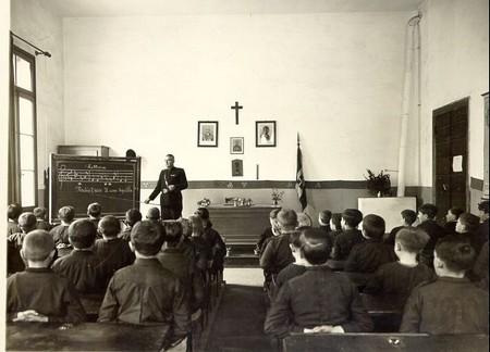 Scuola elementare italiana e fascismo for Arredo italia