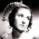 """Dina Sassoli nei panni di Lucia Mondella nel film """"I promessi sposi"""" (1941), di Mario Camerini"""