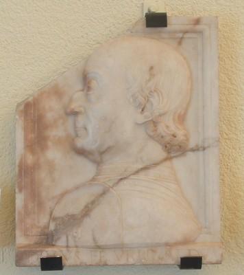 Portrait de Federico da Montefeltro. Francesco di Giorgio Martini (1475) - Marbre, H.47 ; L.38,5 cm - Pesaro, Musei Civici, Palazzo Toschi Mosca