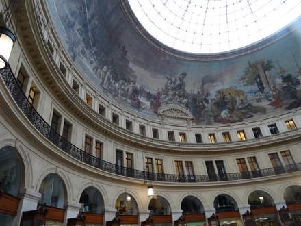 Interno della Borsa di Commercio di Parigi