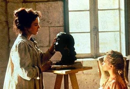 Camille Claudel (Isabelle Adjani) nel suo atelier - Film francese di Bruno Nuytten (1988)