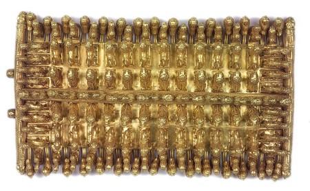 Fermoir de vêtement en or décoré de figures d'animaux - 680-650 avant J.-C. – Rome, Museo di Villa Giulia