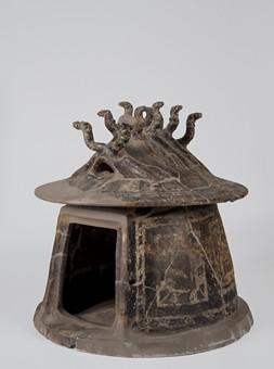 Urne cabane cinéraire, IXe-VIIIe siècle