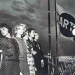 """Antonioni, Vitti, Moreau, Mastroianni sulla terrazza Martini al Lido di Venezia per """"La Notte"""" - 1960"""
