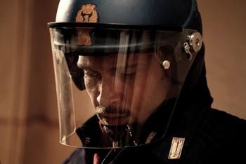 Diaz, non pulire questo sangue. Claudio Santamaria.