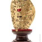 La mitra, opera gioiello di Sara Lubrano
