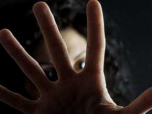 femminicidio-giornalettismo-ragazza-picchiata-napoli.jpg