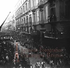 Funerali di E. Gianturco, via Toledo Napoli