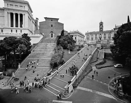 Gabriele Basilico. Roma, vista dalla collina capitolina e della chiesa dell'Aracoeli, 2010. Credits Fondazione Giorgio Cini, Venezia.