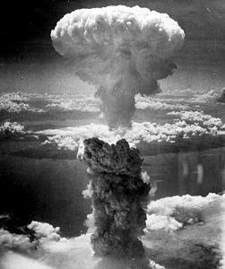 gae251px-nagasakibomb.jpg
