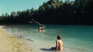 gsstefania-comodin-e-giacomo-zulian-si-immergono-nel-tagliamento-in-l-estate-di-giacomo-211725.jpg