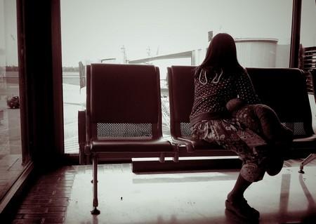 in_partenza_donna_all_aeroporto.jpg