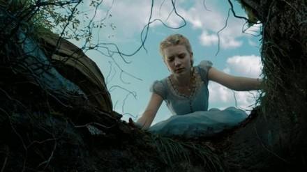 mia-wasikowska-in-alice-in-wonderland-di.jpg