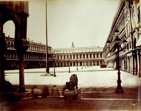 Piazza San Marco, con l'Ala napoleonica, di Giorgio Sommer 1870