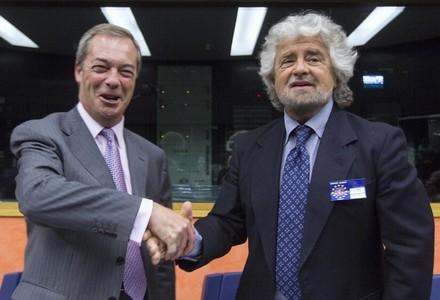 Nigel Farage e Beppe Grillo