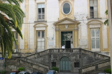 Escalier d'entrée de l'hôpital des Incurables - Musée des Arts sanitaires