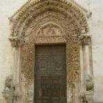 Altamura, portail d'entrée du Duomo avec lions