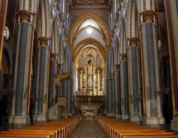 San Domenico Maggiore interno