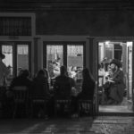Cena di Shabbat nella sede del gruppo Chabad-Lubavitch© Ferdinando Scianna / Magnum Photos