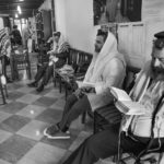 Preghiera del mattino nella sede del gruppo Chabad-Lubavitch© Ferdinando Scianna / Magnum Photos