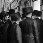 Partecipanti alla cerimonia di Shabbat della Comunità Chabad-Lubavitch© Ferdinando Scianna / Magnum Photos