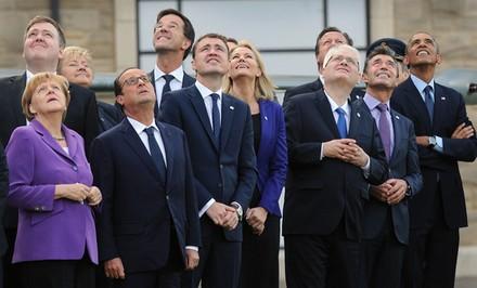 Les dirigeants de l'Otan réunis au sommet de Newport (Royaume-Uni), le 5 septembre 2014. (LEON NEAL / AFP)