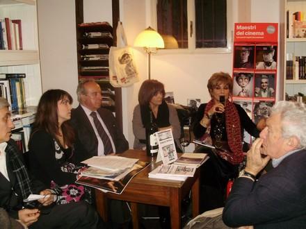 Ferrara a destra. Libreria del Cinema di Roma.